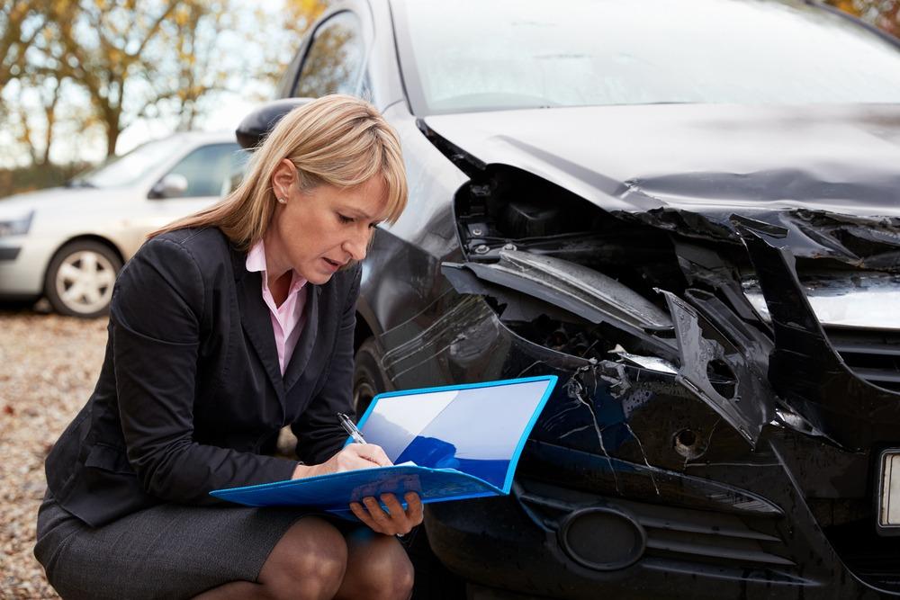 ข้อมูลประกอบการตัดสินใจซื้อประกันภัยรถยนต์ภาคสมัครใจ